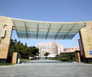 上海外国语大学校园美景欣赏